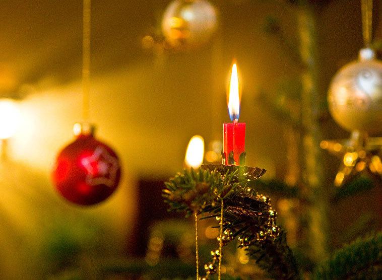 wie feiert man weihnachten ein vorschlag f r das familienfest. Black Bedroom Furniture Sets. Home Design Ideas