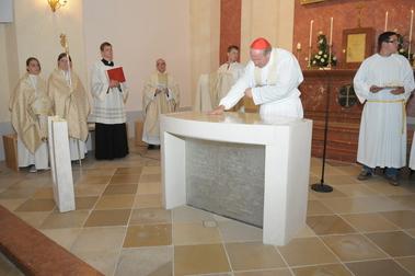 Chrisammesse - Heilige Öle auch für Altarweihen.